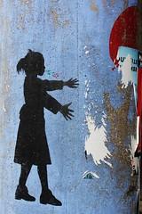 Nemo_2119 place du 21 avril 1944 Saint Denis (meuh1246) Tags: streetart nemo placedu21avril1944 saintdenis enfant ballon