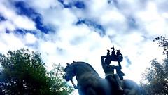 """Diosa del mar sobre caballo"" (atempviatja) Tags: diosa cielo barco nubes caballo escultura"