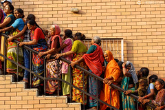 12-07-05 India-Ladakh (438) Amritsar R01 (Nikobo3) Tags: asia india ladakd amritsar urban people gentes jammu kashmir kachemira travel viajes nikon nikond200 d200 nikon7020028vrii nikobo josgarcacobo social culturas color flickrtravelaward ngc