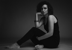 Noemi 1 (Lestatillo) Tags: portrait retrato blackandwhite blancoynegro bw o posing retouching retoque