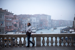 Rialto Bridge, Venice, Italy (Chris Camargo) Tags: italy europe rialto bridge venice veneto grandcanal marble bokeh scenic view vantagepoint perspective boats vaporetto sony a7s fullframe ff minolta 58mm f12 wideopen travel vacation mf manualfocus focuspeaking rokkor