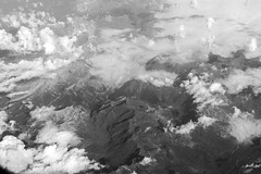 High above in the sky (wildbam25) Tags: berge mountain cloud clouds sky airplane airplanephotography black white blackandwhite schwarz weiss sony ilce7m2 fe 50mm f18 sonya7ii