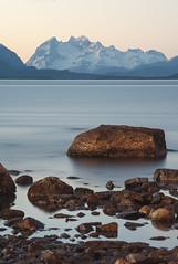 Monte Balmaceda desde Puerto Natales (Rodrigo IMG) Tags: chile sunset patagonia landscape puerto nikon long exposure ray esperanza ultima singh magallanes natales ultimaesperanza d700 70200vrii