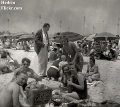 antiquestorefind_070 (Hedrin) Tags: girls beach swim picnic whiskey suit blended wilson bathing umbrellas swimsuit bathinsuit