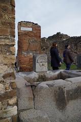 Fuente Pompeya 0947 (Rafael Jimnez) Tags: italy archaeology italia pompeii pompeya pompei arqueologa imperioromano 2013 romaantigua fuentesfountains