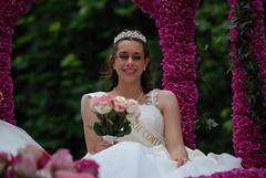 BCR-Fête de la Rose - 2014 (Lancelot Pierre) Tags: pink sexy girl beautiful rose lady nikon young fête majorettes défilé 2014 d80 briecomterobert fetedesrosesbcr2014