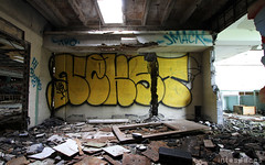 (Into Space!) Tags: abandoned graffiti rip detroit tribute msk graff d30 throw rundown fill urbex nekst throwie vizy intospaces