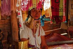 Kayan (Dnadan) Tags: k5 pentax pentaxiani pentaxhdda1685mmf3556eddcwr thailand kayan ritratto giraffa honeymoon tribu