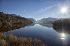 Llyn Padarn (abstract_effects) Tags: abstracteffects wales snowdonia lake mountain snowdon sun reflection light wintry canoneos5dmk2 november 2016