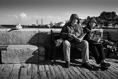 (Steven's Photo's) Tags: swanage isleofpurbeck jetty bench oldpeople slow streetphotography blackandwhite stevenplows
