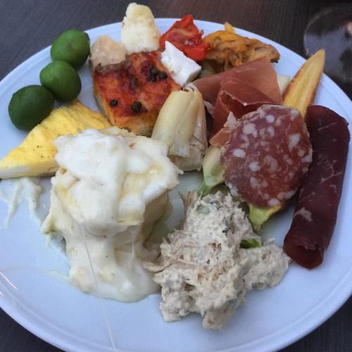 A variety of appetizers at @fsorlando http://ow.ly/uPwE305BEZv #ravello #fourseasonsorlando #fourseasons #disneyworld #foodie #italy #italianfood #celebration #food