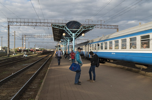Diesel train DR1P at the Baranovichi railway station, 04.05.2014.
