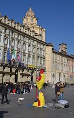 Torino - piazza Castello (ikimuled) Tags: centroest piazzacastello artistidistrada