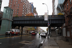The High Line New York (wuestenigel) Tags: newyorkcity 2016 newyork usa us street strase road city stadt car auto architecture diearchitektur building gebäude travel reise transportationsystem noperson urban städtisch commerce handel vehicle fahrzeug town business geschäft stock outdoors drausen traffic derverkehr daylight tageslicht pavement pflaster bridge brücke