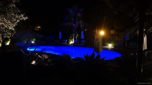 Albufeira (Algarve), Portugal - Appartmentanlage Vila Balaia bei Nacht