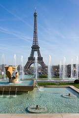 2014_03_Promenade a Paris bord de Seine 117.jpg (christian.auguet) Tags: france paris photospecs jetdeau art trocadero architecture imagetype iledefrance statue vuegnrale toureiffel paysage