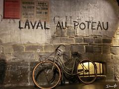 Laval au Poteau (Dinarte Frana) Tags: caen memorial laval au poteau normandi normandia ww2 france francia bicycle muro wall