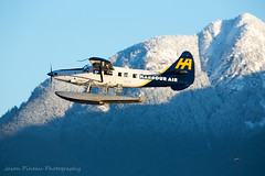 Westbound past Grouse (Jason Pineau) Tags: harbourair dehavilland dhc3 dhc3t otter floatplane seaplane takeoff coalharbour vancouver bc britishcolumbia snow mountains grouse mountain