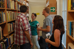 "in der Bibliothek • <a style=""font-size:0.8em;"" href=""http://www.flickr.com/photos/39658218@N03/9311432632/"" target=""_blank"">View on Flickr</a>"