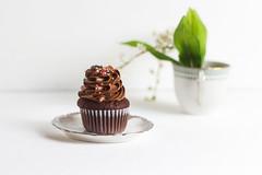 CupCake & Green (EsteveSegura) Tags: food white cup cake photography photo amazing drink pastel awesome stylish strobist