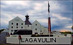 Lagavulin Distillery (tor-falke) Tags: islands scotland europa sony ngc peat islay alcohol whisky distillery singlemalt schottland lagavulin malt écosse wateroflife uisgebeatha scotchwhiskey lagavulindistillery sonyalpha wasserdeslebens alpha200 singlemalts whiskyworld torfalke flickrtorfalke alpha200230