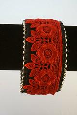 monili_003 - Bracciale tessuto (Gioie di Lill) Tags: beads knitting lace embroidery crochet jewelry fabric bracelet vetro stoffa perline retr bracciale braccialetto soutaches