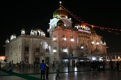 Bangla Sahib Gurdwara at Night-004 (ramesh_lalwani) Tags: delhi sikh gurdwara banglasahib