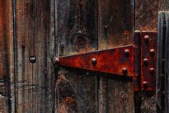 (Abel AP) Tags: door hinge wood metal rustedmetal abandoned fremont california donedwardssanfranciscobaynationalwildliferefuge usa abelalcantarphotography