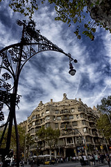 La Pedrera (sergigamma) Tags: barcelona sky architecture arquitectura cielo gaudi modernismo modernisme nwn