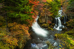 Ryûzu no taki Falls (Nikkô-Nationalpark)... (A.K_Photography Hamburg) Tags: longexposure autumn mountains nature water colors japan zeiss landscape waterfall nationalpark hiking herbst hike autumncolors climbing highland waterfalls langzeitbelichtung chuzenji ryuzu neutraldensity nikkô ryuzunotaki ryuzufalls leefilters zf2 nikond700 distagont2821 bigstopper leebigstopper zeissdistagont2821zf2 präfekturtochigi chuzenjikô chuzenjikôonsen nikkônationalpark