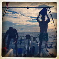 doccia di mare (elnuego) Tags: ocean 6x6 vent boat barca sailing wind canarias viento atlantic sail vela breeze northeast trade canaries brezza voile segeln segelboot voilier vento oceano atlantico iphone trades atlantique capoverde canarie tropico vientos transat ozean glenans tradewind cancro transatlantique 2013 alisei atlantischer alisios aliseo iphone5 transatlantica northeasterly alisee lesglenans passatwind hipstamatic