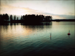 Peace of Mind (*Kicki*) Tags: åmänningen lake bergslagen ängelsberg västmanland sweden explore flickrexplore explored water reflection buoy island sky serene landscape oljeön barrön sunset buoyant