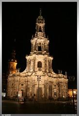 Hofkirche Dresden (uslovig) Tags: city light building tower night germany deutschland licht dresden nacht kirche historic sachsen turm altstadt elbe hofkirche saxonia trinitatis aufnahme bauwerke sanctissimae