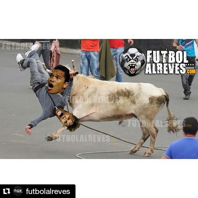 #Repost @futbolalreves ・・・ #Bacca #Neymar #Humor #CopaAMERICA #Chile #Colombia #Brasil  #Colombia  #Futbol  #JamesCrack  #UnidosPorUnPais  #SeleccionColombia #FuerzaTricolor #VamosColombia  @camilozuniga18 @jamesrodriguez10 @FALCAO @D_Ospina1 @Aldoleao81