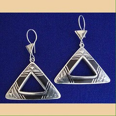 IMG_0341 (Tuareg Jewelry) Tags: tuareg jewelry finesilver ebony earrings bouclesdoreilles tuaregjewelry tuaregjewellery