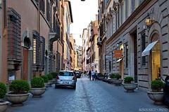 Snapdragon Street #Roma #Lazio #Italia . (rossolavico) Tags: europa europe italia italy italien lazio roma rome squatritomassimilianosalvatore rossolavico fileraw filerawnef viewnx2users viadeicondotti griffe marchi lusso negozi turisti business campomarzio viadelcorso viaboccadileone via bocca di leone snapdragonstreet