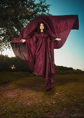 Autumn (11) (ptr.alva) Tags: autumn otoo bosque forest makeup tunica mujer woman levitate levitar volar fly tnica maquillaje surreal viento wind sunset atardecer ocaso peteralva
