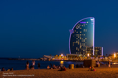 The night is full of smiles (-REcallable-Memories-of-ET-) Tags: 2016 barcelona catalunya espana esze eszetams hungary katalnia nikon sommer spain spanyolorszg summer tamas d5200 nyr shooting