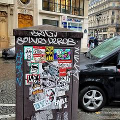 Paris (PSYCO ZRCS 10/12) Tags: sticker stickers stickerart stickerporn stickerlife stickerculture street art vinyl slaps slap tagging bombing worldwide stickerbombing psyco nite owl combo paris france