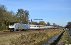 NMBS 2863, Dordrecht Zuid, 25-11-2016 11:29 (Derquinho) Tags: nmbs 2863 railpool traxx 28 reeks 2800 dordrecht zuid intercity brussel amsterdam centraal brussels midi