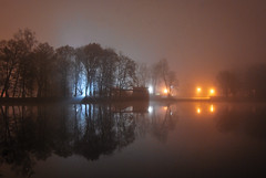 Mgła (Kosmi88) Tags: mgła foggy fog polska głowno jesien autumn nature water light d60 nikond60 night noc nocna mglista creepy reflection huta józefów hutajózefów