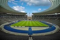 Olympiastadion Berlin (thomas druyen) Tags: olympia olympiastadion berlin fusball hertha deutschland architektur march sport weltmeisterschaft wmrasen laufbahn
