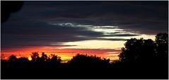 0294-ATARDECER EN PULA DESDE EL AUTOCAR - (Croacia) (-MARCO POLO--) Tags: ocasos atardeceres nubes