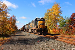 Another CSX fall color shot (cheliman) Tags: csxt locomotive ac44cw ge train pa nwpa