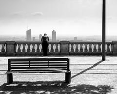 Regard sur Lyon, France (Etienne Ehret) Tags: lyon rhne 69 mtropole ville city noir noirblanc blanc bw black street rue graphique graphisme nikon d750 50mm f18