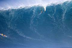 IMG_3041 copy (Aaron Lynton) Tags: surfing lyntonproductions canon 7d maui hawaii surf peahi jaws wsl big wave xxl