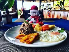 Desayuno listo en Aracari Restaurant. Delicioso, fresco y saludable. LaCusingaLodge.com #travel #wellness #vacation #yoga #breakfast
