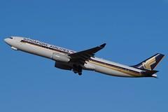 9V-SSC Singapore Airlines Airbus A330-343 (johnedmond) Tags: perth ypph australia airbus a330 singapore aviation aircraft aeroplane