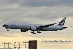 BRB_8309ces c (b.r.ball) Tags: aviation jets boeing yyz cathaypacific torontopearsoninternationalairport 777367er brball bkpz