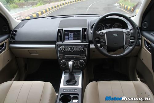 2013-Land-Rover-Freelander-2-17